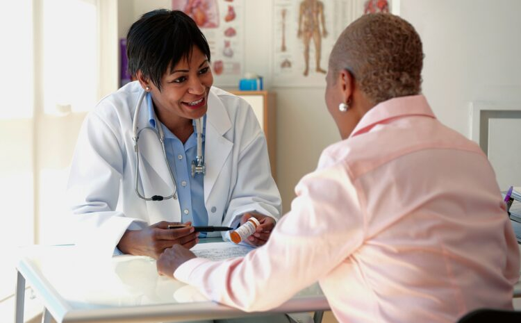 Poll: Minorities Less Comfortable Discussing Sensitive Issues With a Doctor